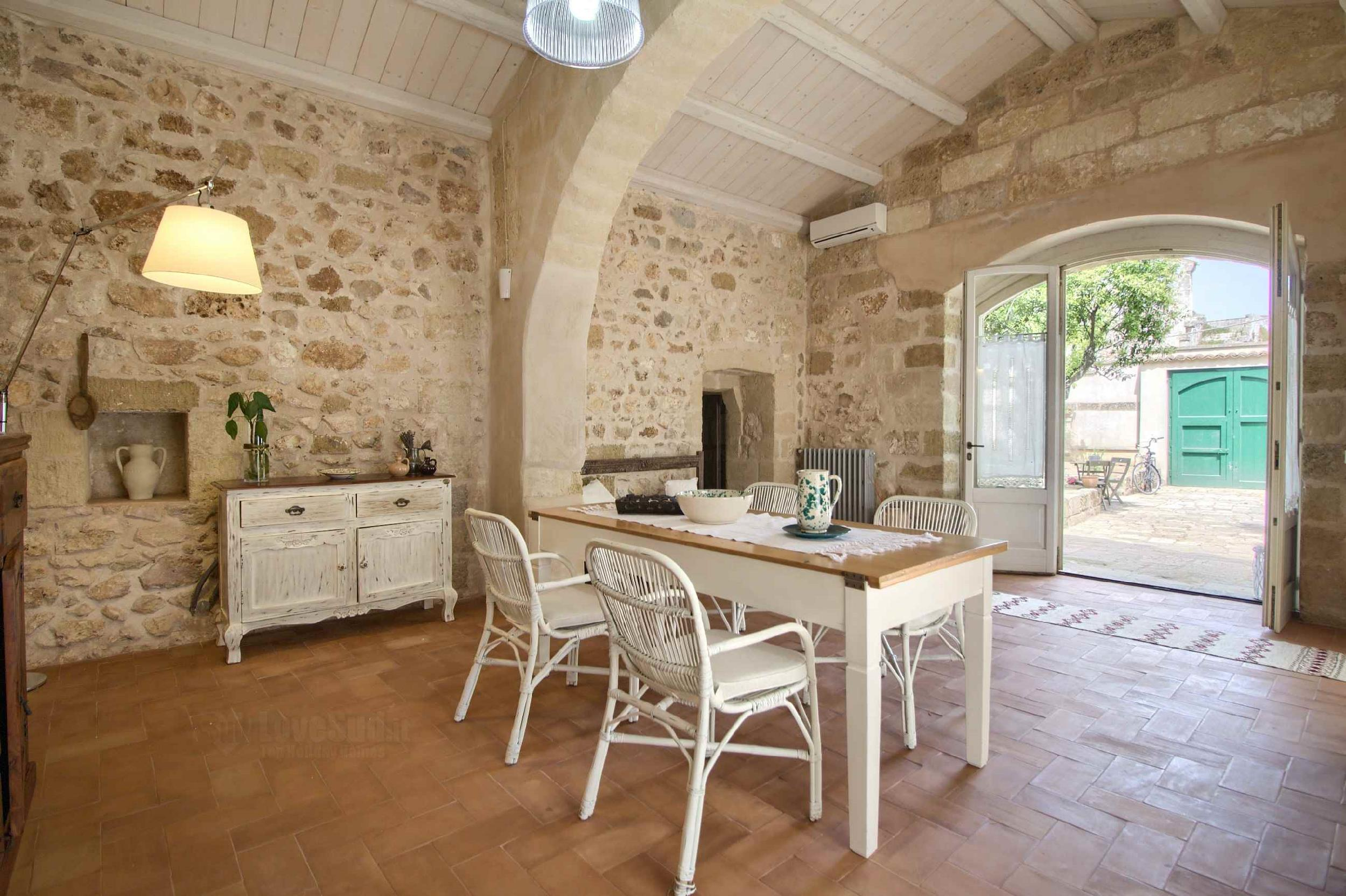 Deluxe Stone Room - B&B A Palazzo photo 22457687
